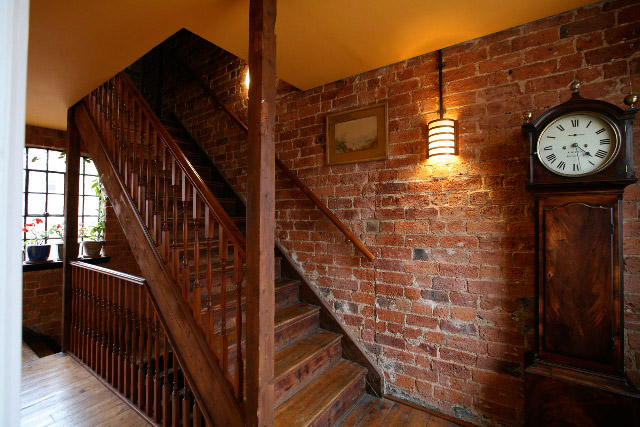 Sole Studios Loft-Living stairs Environment for video and photography